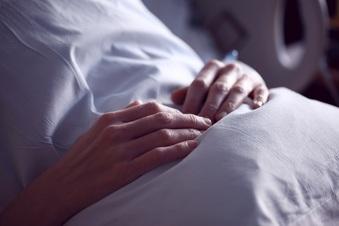 Versuchter Mord: Pfleger angeklagt