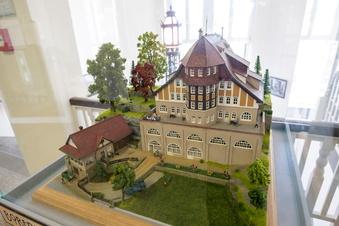 Heidenau: Was macht das Modell im Rathaus?
