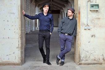 Dresdner Duo bringt Künstler zusammen