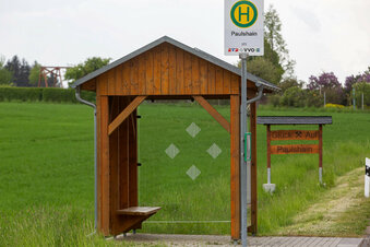 Rustikale Wartehäuser fürs Erzgebirge