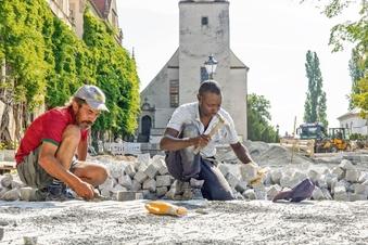 Rathausplatz bleibt länger Baustelle