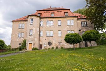 Erster Hutball im Struppener Schloss geplant