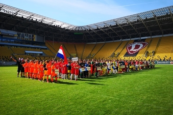 Mini-WM: 32 Teams und viele Fans im Stadion