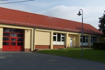 Arbeiten am Dorftreff in Braunsdorf