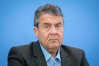 Gabriel fordert von SPD rigidere Einwanderungspolitik