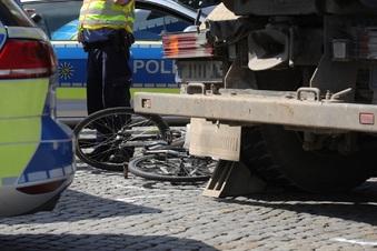 Radfahrer in Dresden tödlich verunglückt