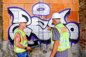 Mysteriöses Graffito am Brandort