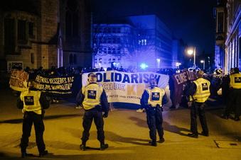 Friedliche Proteste gegen Beschränkungen