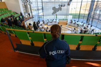 Nach Demo: Sondersitzung im Landtag