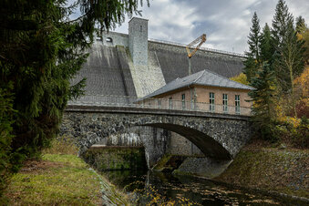 Talsperre fit für Jahrtausend-Hochwasser
