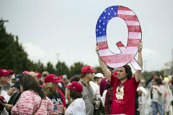 QAnon: Die Gefahr absurder Geschichten