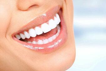 Dreiste Lügen: Wundermittel gegen Corona, perfekte Zähne