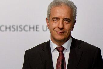 Nach Farbbeutel-Anschlag: Tillich besucht Landeszentrale