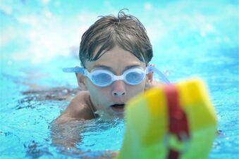 Wann sollten Kinder schwimmen lernen?