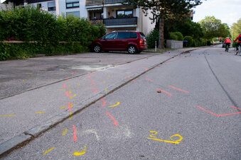 Autofahrer fährt in Bayern in Fußgänger