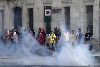 Gewalt und Festnahmen bei G7-Protest