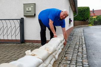 Stadt macht Hochwasser-Hilfsdienst zur Bürgerpflicht