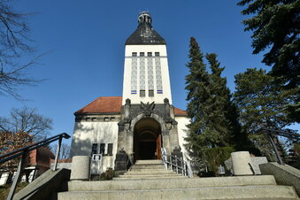 Zittauer Krematorium lagert Tote aus