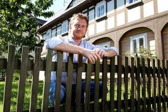 """Politiker kritisieren """"Hausbesuch"""" beim MP"""