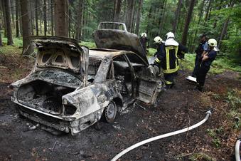 Rätselhafter Auto-Brand an der Rennstrecke