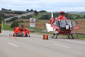 Rettungshubschrauber auf der A4 im Einsatz