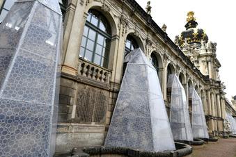 Hüllen schützen Dresdens Zwingerbrunnen