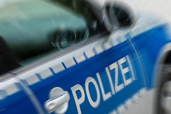 Autofahrer schlingert auf Gegenfahrbahn