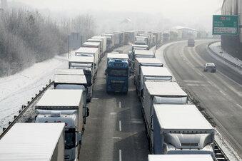 Lange Staus an der tschechischen Grenze