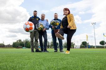 Neuer Kunstrasen im Sportpark Dippoldiswalde übergeben