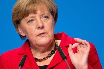 Galgen-Symbolik: Merkel bleibt gelassen