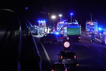 Zwei Schwerverletzte bei A4-Unfall