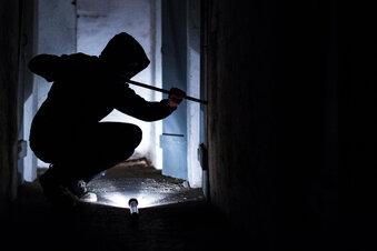 Werkzeuge im Wert von 12.000 Euro gestohlen