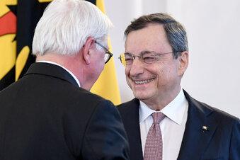 Draghi bekommt Bundesverdienstkreuz