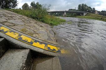 Dauerregen lässt Flusspegel ansteigen