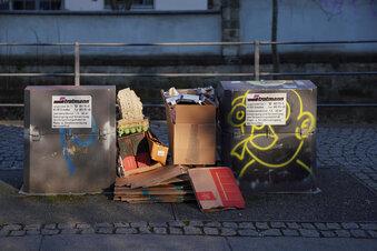 Container und Papierkörbe in Dresden überfüllt