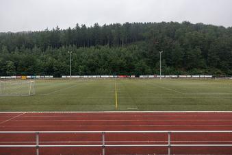 Schmiedebergs Stadion muss länger warten