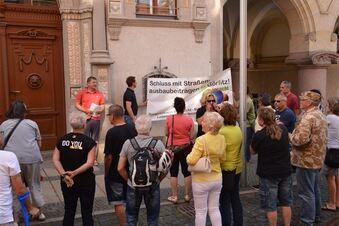 Demo gegen Straßenausbaubeiträge