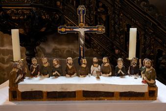Schnitzerei für Breslauer Altar macht in Görlitz Station