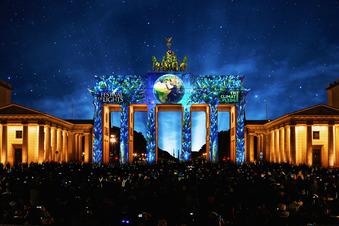 Festival of Lights hüllt Berlin in bunte Farben