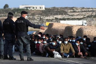 Tausende Migranten auf Lampedusa