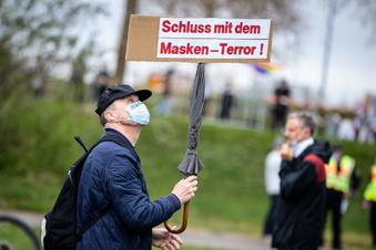 """Seehofer: """"Querdenken"""" mehr beobachten"""