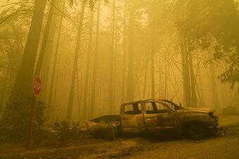 Kalifornien: 120.000 fliehen vor Großbränden