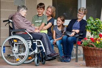 Wie schwierig der Besuch im Pflegeheim ist