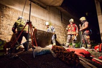 Kind in Königstein in Schacht gestürzt