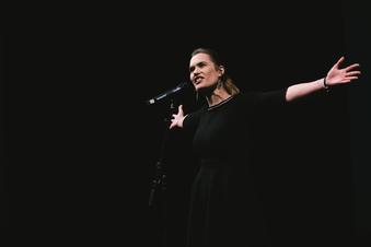 Neugörlitzerin bei Poetry Slam Meisterschaft