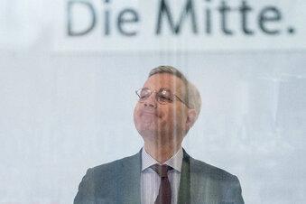 Röttgen stellt Chefstrategin vor
