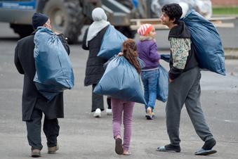 Flüchtlinge ziehen an den Hammerweg