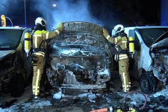 Vonovia-Autos in Flammen