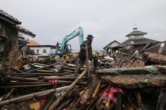 Weitere Tsunamis drohen in Indonesien