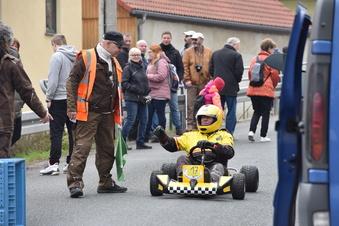 Seifenkisten testen Strecke in Somsdorf